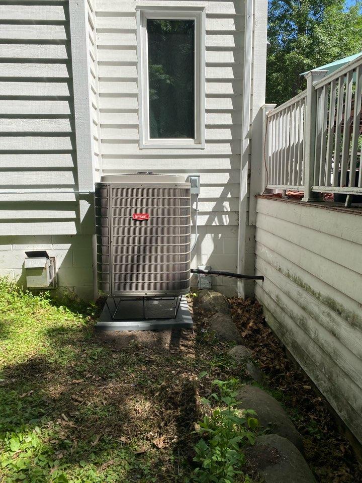 Rockford, MN - Bryant heat pump/ac install Rockford MN