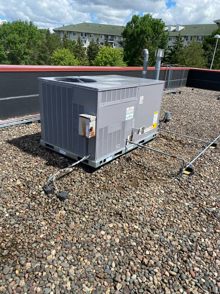 Minnetonka, MN - Bryant package rooftop unit install Commercial Minnetonka MN