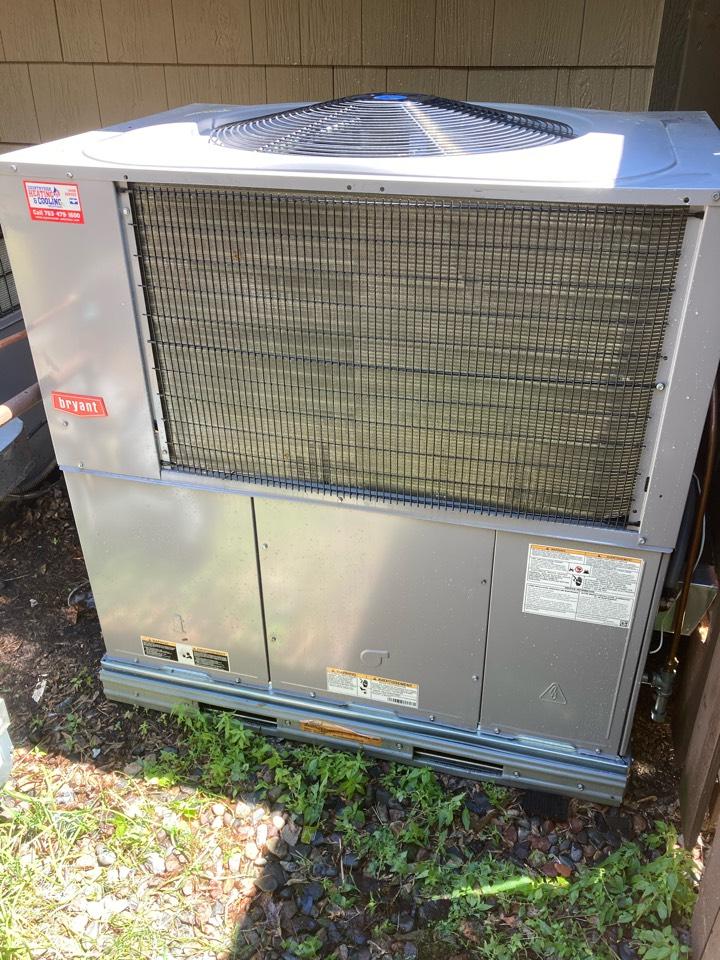 Wayzata, MN - Bryant package unit maintenance in Minnetonka