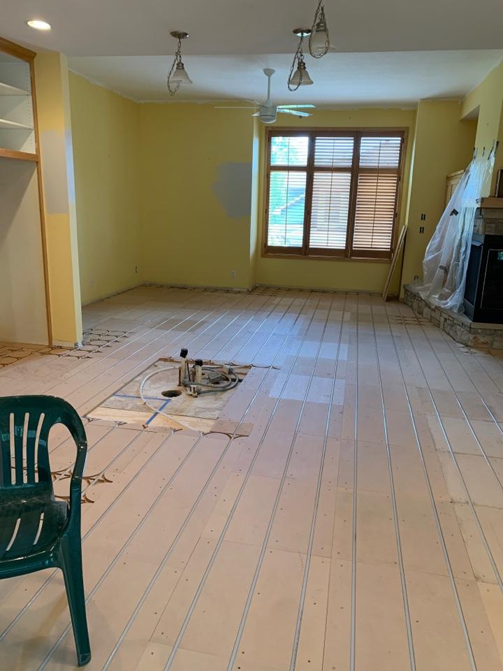 Wayzata, MN - Install in floor heat in wayzata MN
