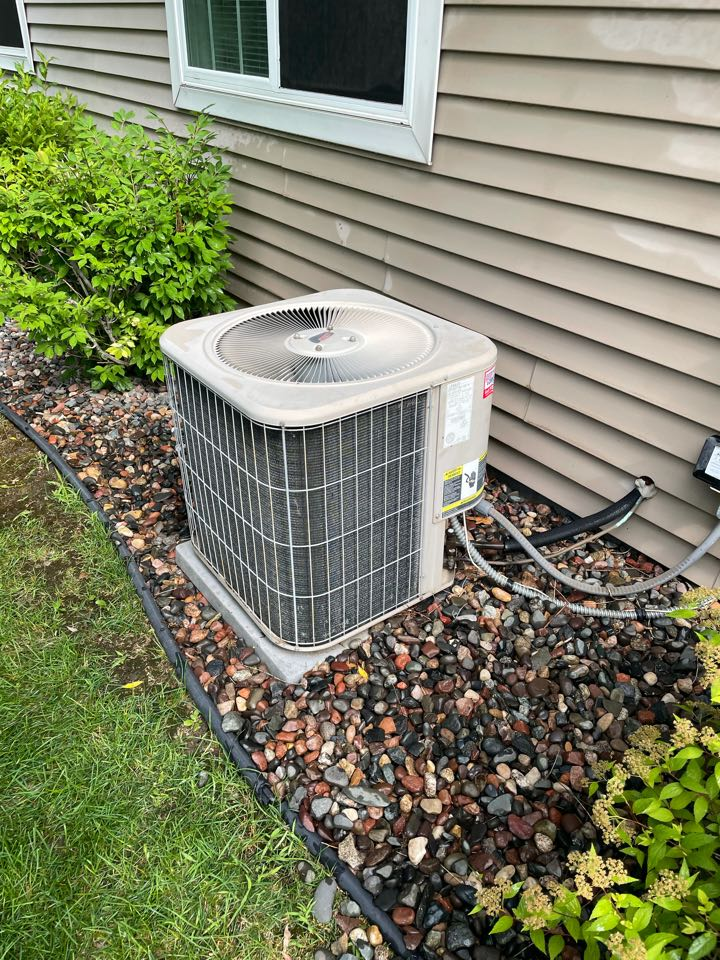 Rockford, MN - Tuned up a Lennox ac at a home in Rockford, MN!