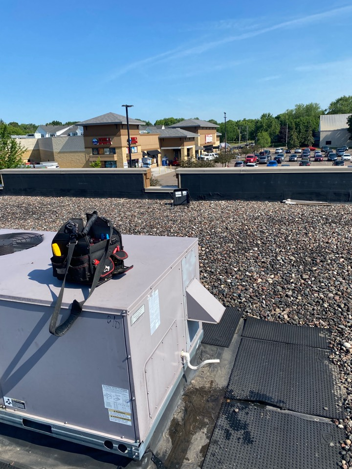 Mound, MN - Commercial rooftop repair great clips mound mn