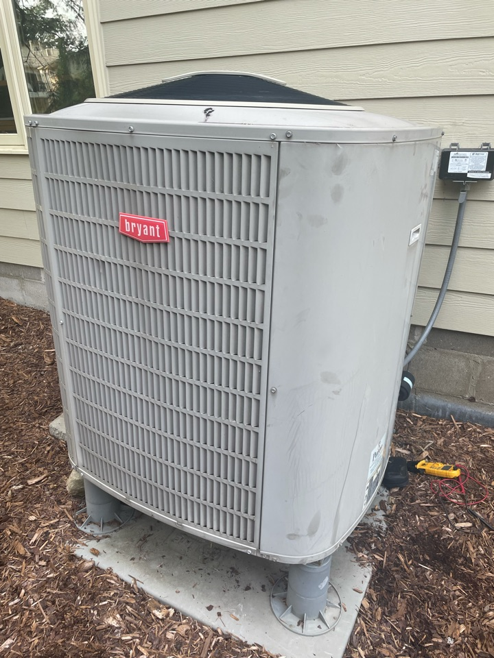 Minneapolis, MN - Diagnosed a failed compressor on a Bryant ac at a home in Edina, MN!