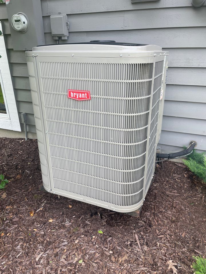 Maple Plain, MN - Adjusted refrigerant pressures on a Bryant ac at a home in maple plain, MN!