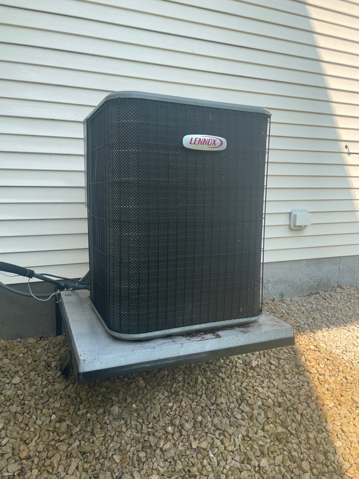 Cleaned a outdoor coil on a Lennox ac at a home in prior lake, MN!