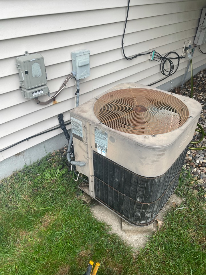 Waconia, MN - Repaired a Lennox ac at a home in waconia, MN!