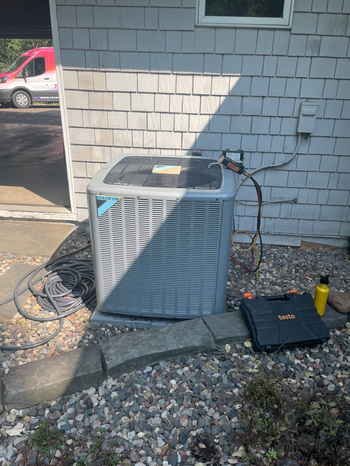 Golden Valley, MN - Replaced a compressor in a daikin ac at a home in golden valley, MN!