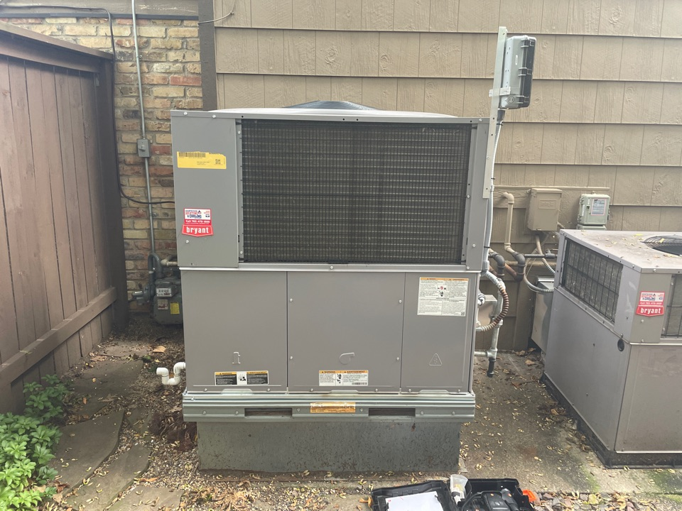 Performed a tune up on a Bryant package unit, at a home in wayzata, MN!