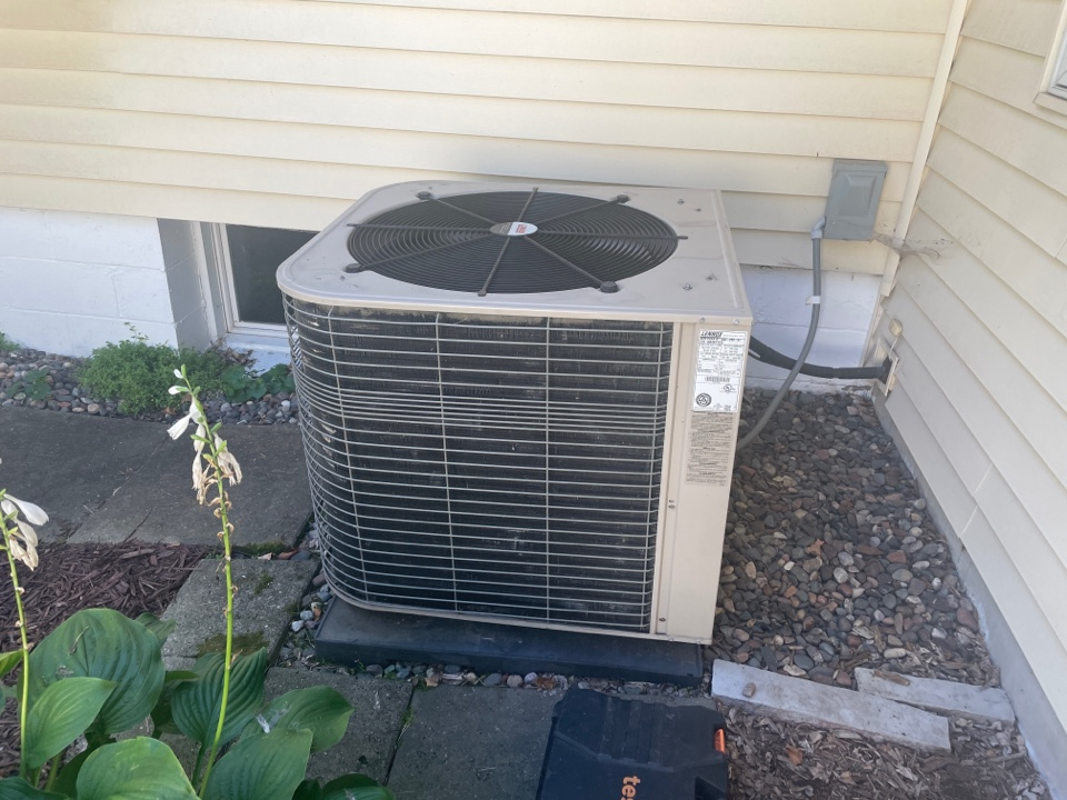 Repaired a Lennox ac at a home in long lake, MN!
