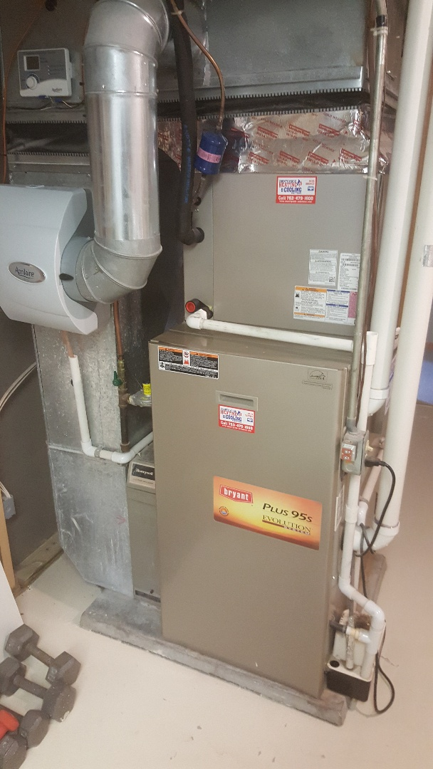 Independence, MN - Performing furnace tune-up on Bryant furnace in Delano