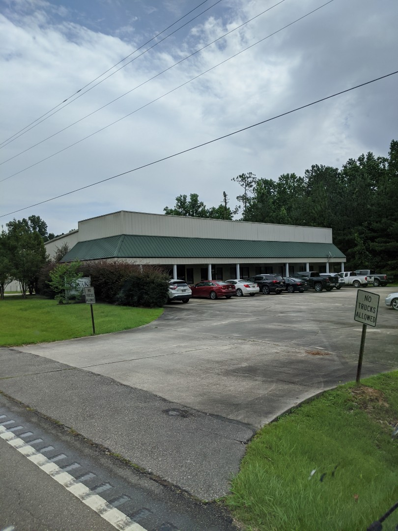 Kiln, MS - Delivering office and janitorial supplies