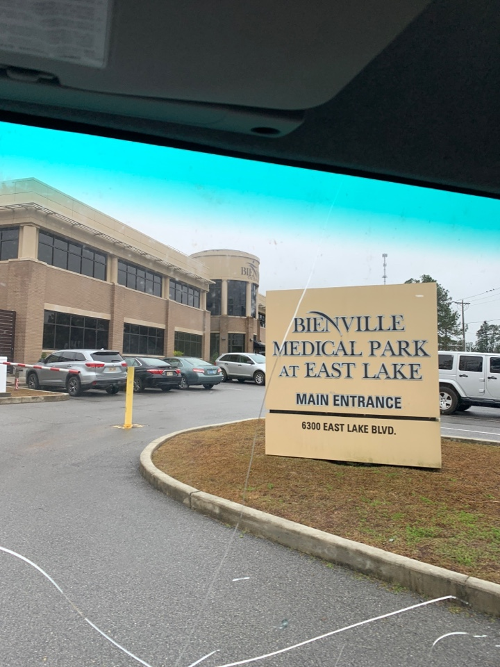 Vancleave, MS - Office supplies on the livery to the Enville go shame medical offices