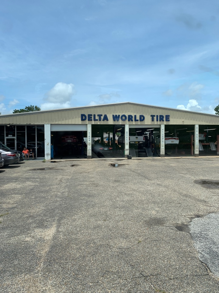 Pascagoula, MS - Office in janitorial supply delivery to Delta world tire