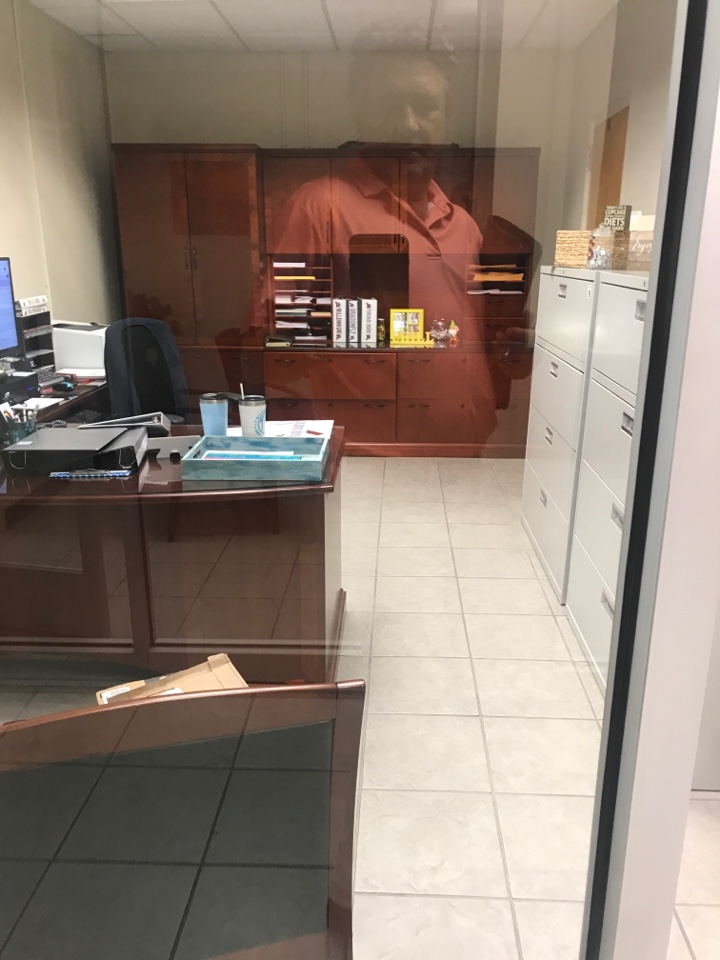 Picayune, MS - Selling office desk in picayune Mississippi