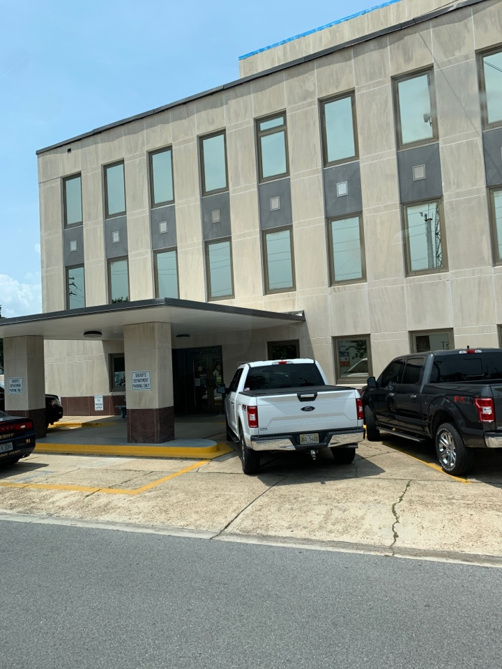 Office chair delivery to Jackson County purchasing public defenders office in Pascagoula
