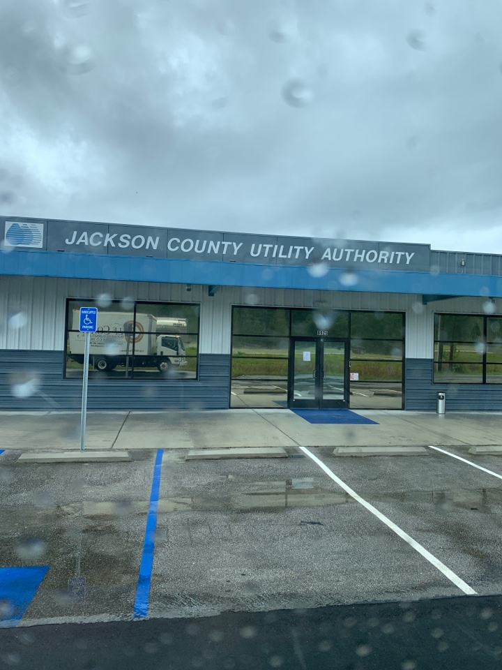 Moss Point, MS - Office furniture delivery to Jackson County utilities authority Moss point