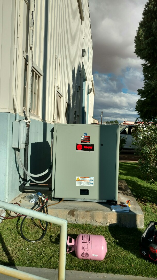 Page, AZ - Dixie Heating and Air Conditioning installing new Trane 10 ton Heat Pump Condensor