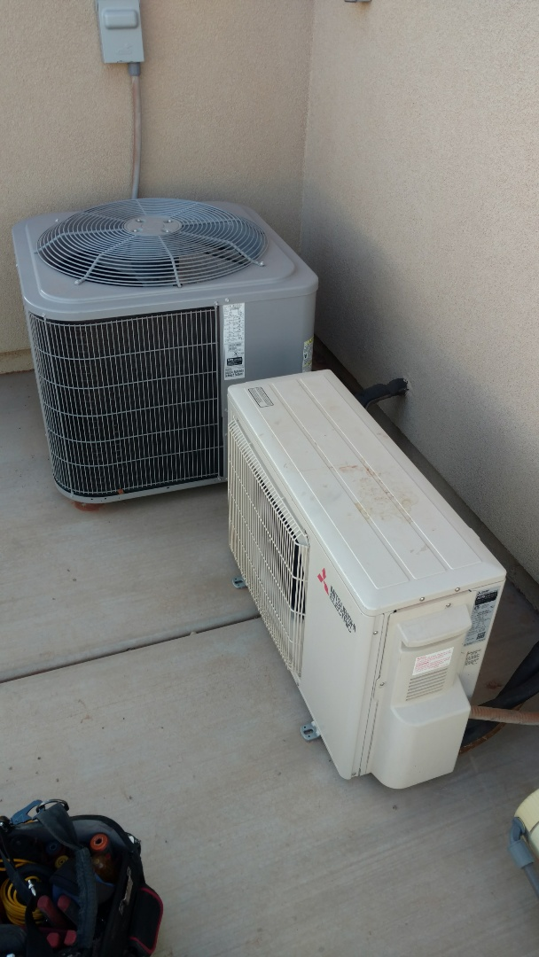Santa Clara, UT - Dixie Heating and Air Conditioning diagnosing low charge on Mitsubishi ductless system