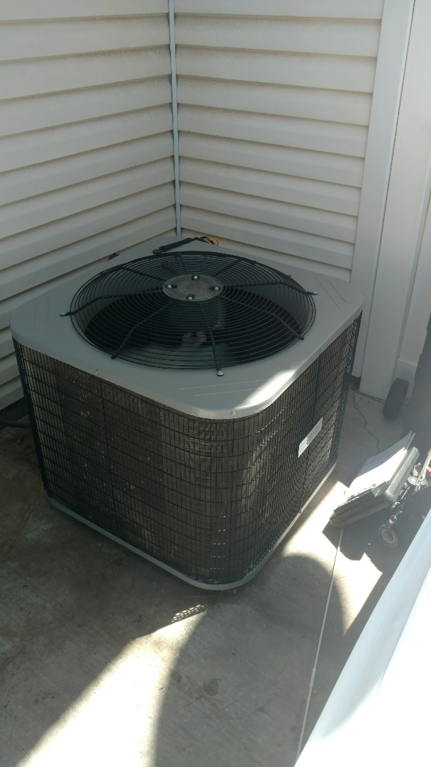 St. George, UT - Dixie Heating and Air Conditioning replacing bad dual capacitor on Grandaire Heat Pump split system