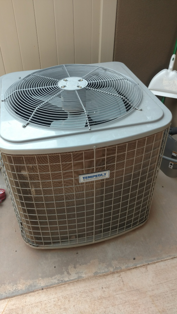 Washington, UT - Dixie Heating and Air Conditioning replacing bad condenser fan motor on Tempstar AC split system