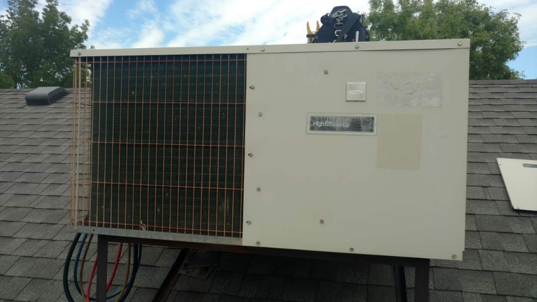 St. George, UT - Dixie Heating and Air Conditioning replacing bad contactor on Bryant Heat Pump roof top unit