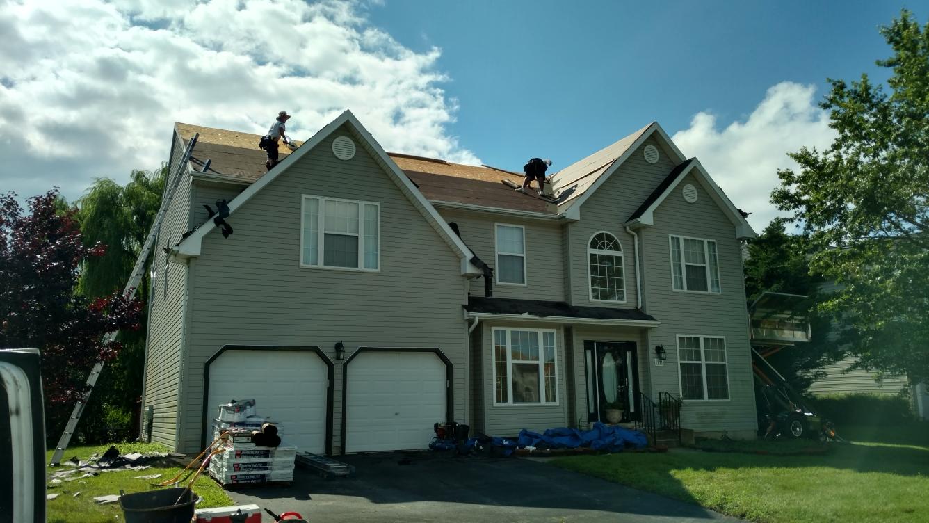 Newark, DE - Installing new GAF Timberline shingles