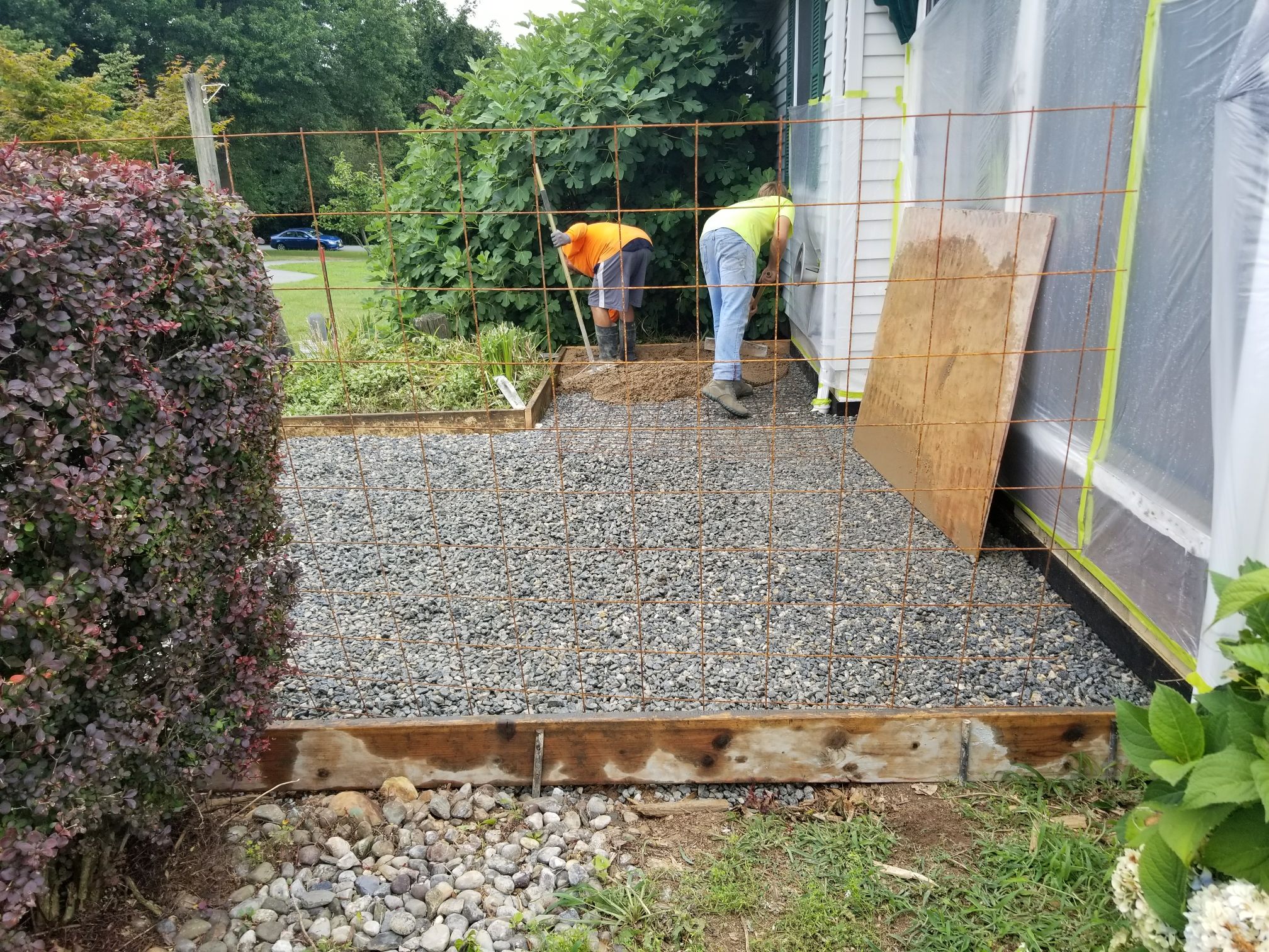 Earleville, MD - Pouring a stamp concrete patio