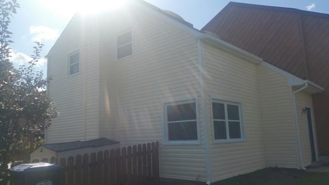 Newark, DE - Just installed new energy efficient vinyl double hung windows and new premium vinyl siding