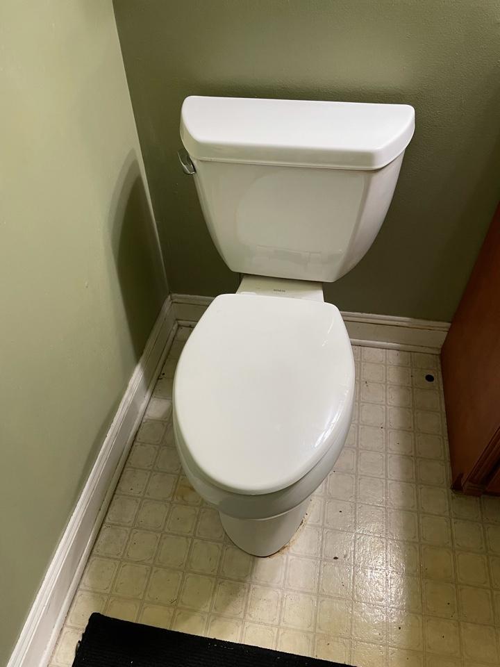 Horsham, PA - Lift and reseal leaking toilet in Horsham