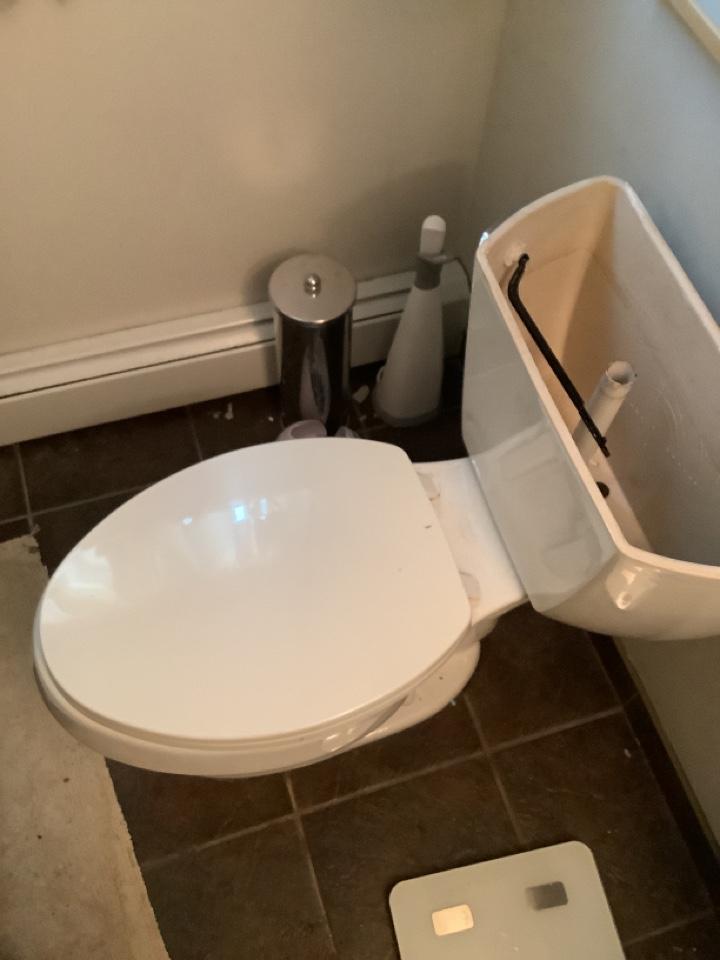 Lansdale, PA - Minor toilet rebuild. PlumbPro Services. Lansdale plumber.