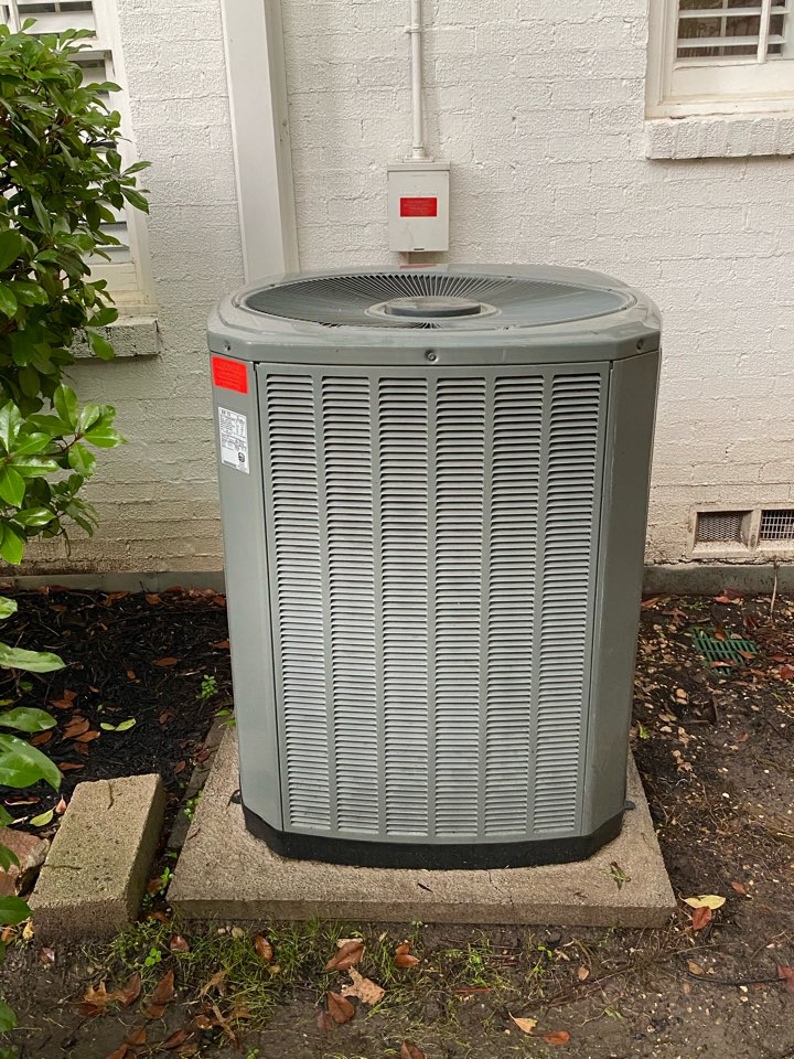 Fort Worth, TX - Heating and air-conditioning repair in River Oaks Texas