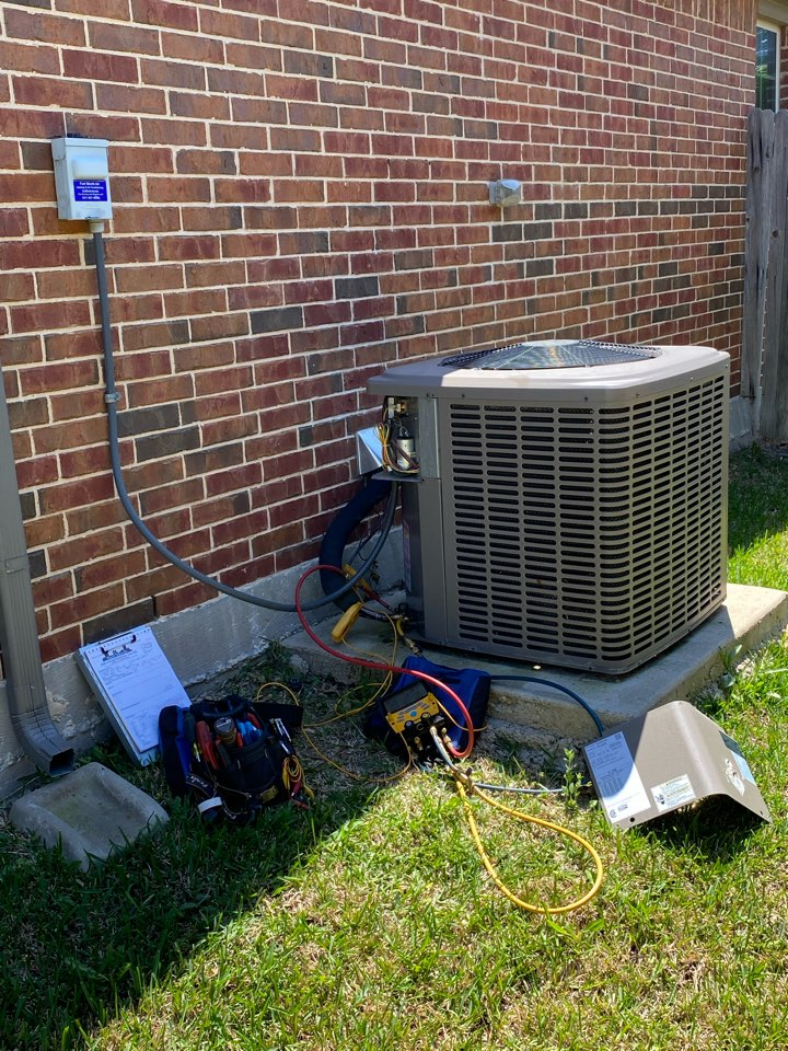 Fort Worth, TX - AC repair tuneup and maintenance of a York system