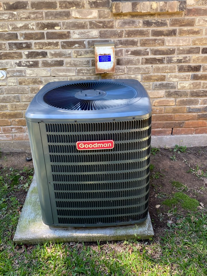 Fort Worth, TX - Repair is a Goodman Air Conditioning Terr System replace to run capacitor and charged unit with 1 pound of 410 a refrigerant system is cooling well