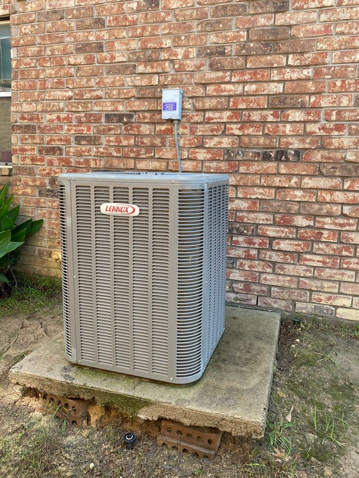 Fort Worth, TX - HVAC repair near Westover Hills part of Fort Worth Texas working on a LENNOX air-conditioning system
