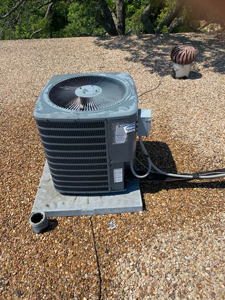 Fort Worth, TX - Air conditioning repair in West Point neighborhood of Fort Worth Texas repaired a refrigerant leak on the line set an a Goodman air conditioning system