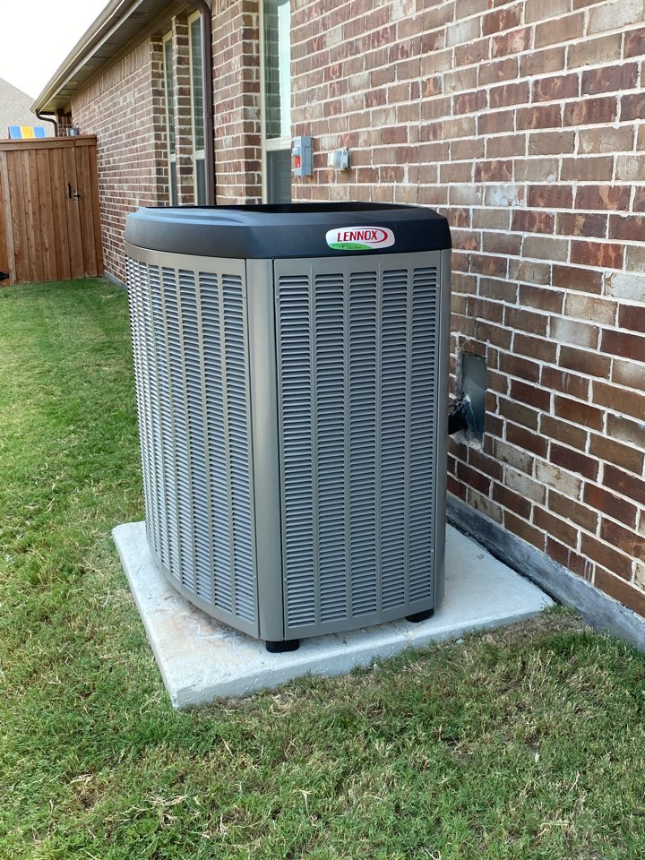 Fort Worth, TX - Heating and air-conditioning repair contractor serving Fort Worth Texas including Hallmark-Camelot neighborhood