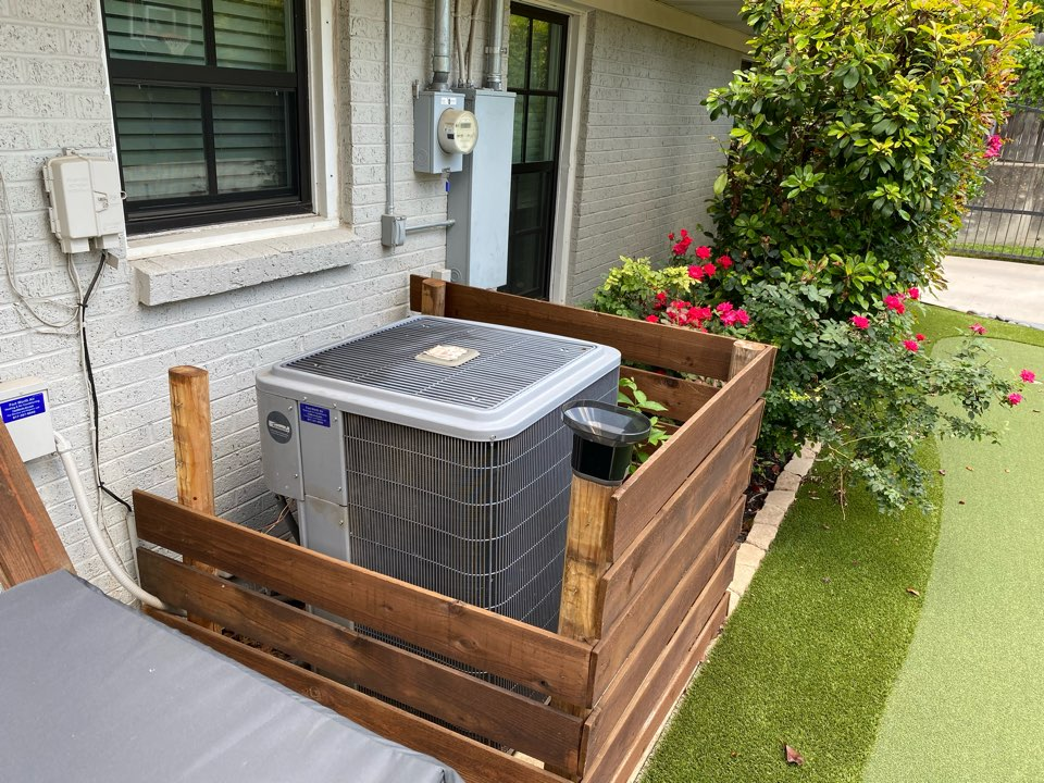 Fort Worth, TX - Air conditioning and heating repair contractor providing maintenance tuneup's emergency AC service in Aledo Benbrook and Markum Ranch Texas