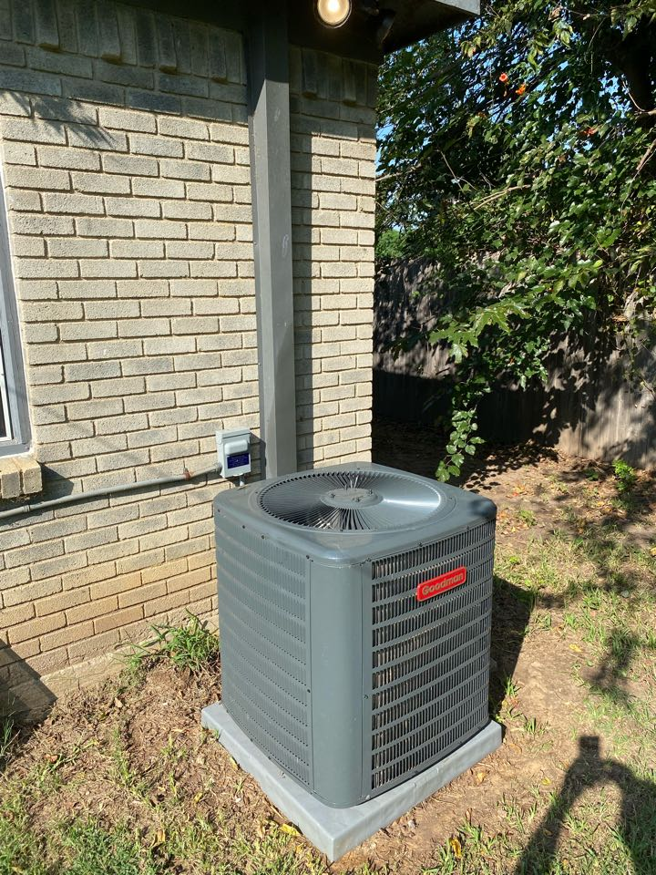 Fort Worth, TX - Emergency heating and air-conditioning repair today we had to replace a condenser fan motor on an ICP unit system is up and running everything went well serving Ryan place neighborhood of Fort Worth Texas