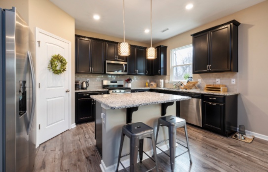 Pantry West Pensacola FL : Custom kitchen and pantry storage can help you declutter your kitchen.   Learn More Here: https://alphaclosets.com/custom-kitchen-and-pantry-storage/