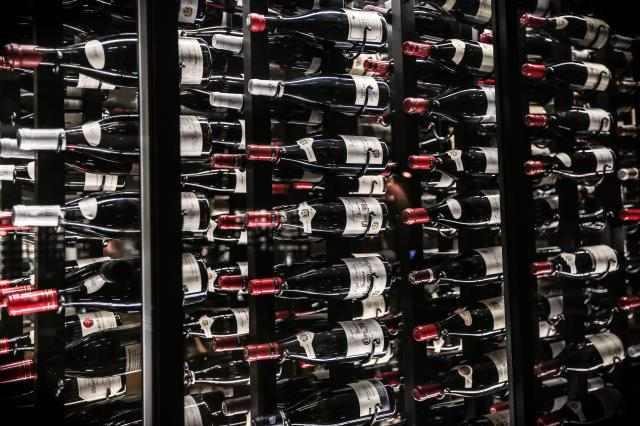 Milton, FL - Rack building consideration also needs to be given whether wine storage will be required for magnum or half bottles and what sort of quantities will be required.