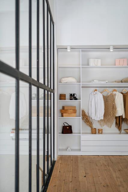 We install corner shelves to assist in maximizing storage space and provide the perfect spot for extra pillows, purses, blankets, and other bulky items.