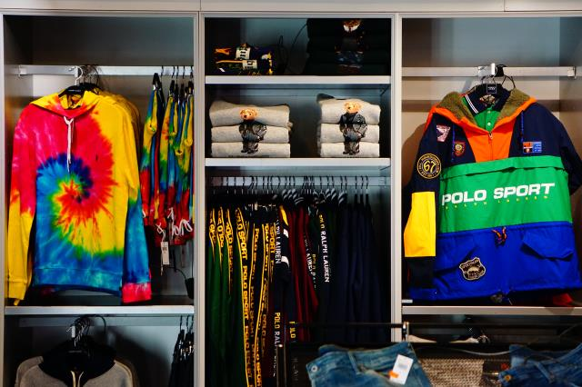 Here are some of the benefits of going with Alpha Closets for your custom closets: Custom Design, Materials and Finishes, Style Enhancements, Etc.