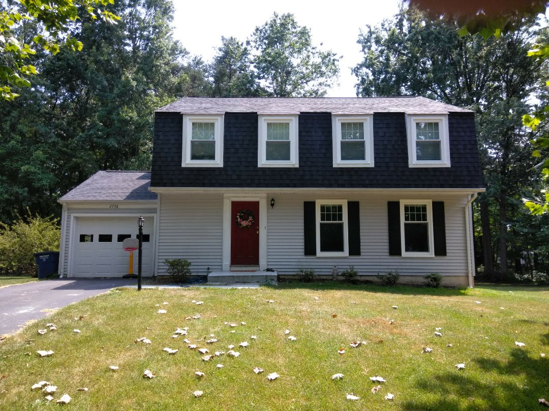 Herndon, VA - High wind and hail caused storm damage to the home's roof and aluminum siding. We replaced the roof with CertainTeed Landmark shingles. We replaced the siding with Norandex Sagebrush Super Premium vinyl siding.