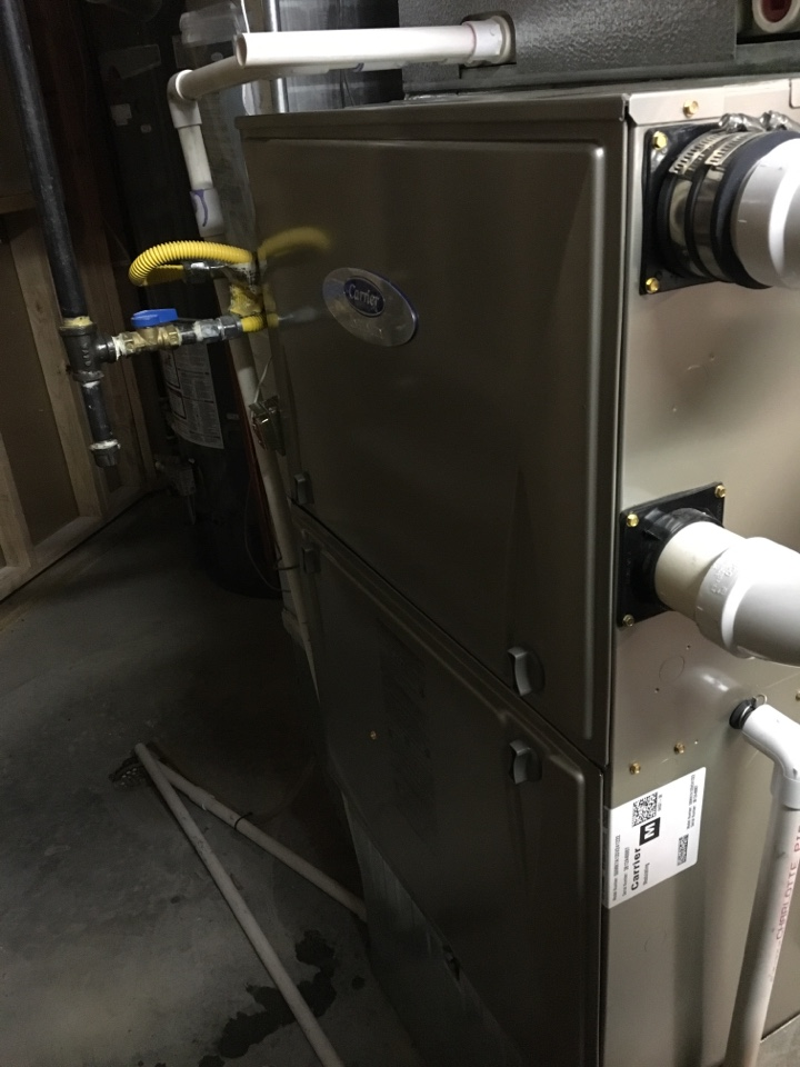 Severance, CO - Carrier communicating furnace tuneup. Clean and check.