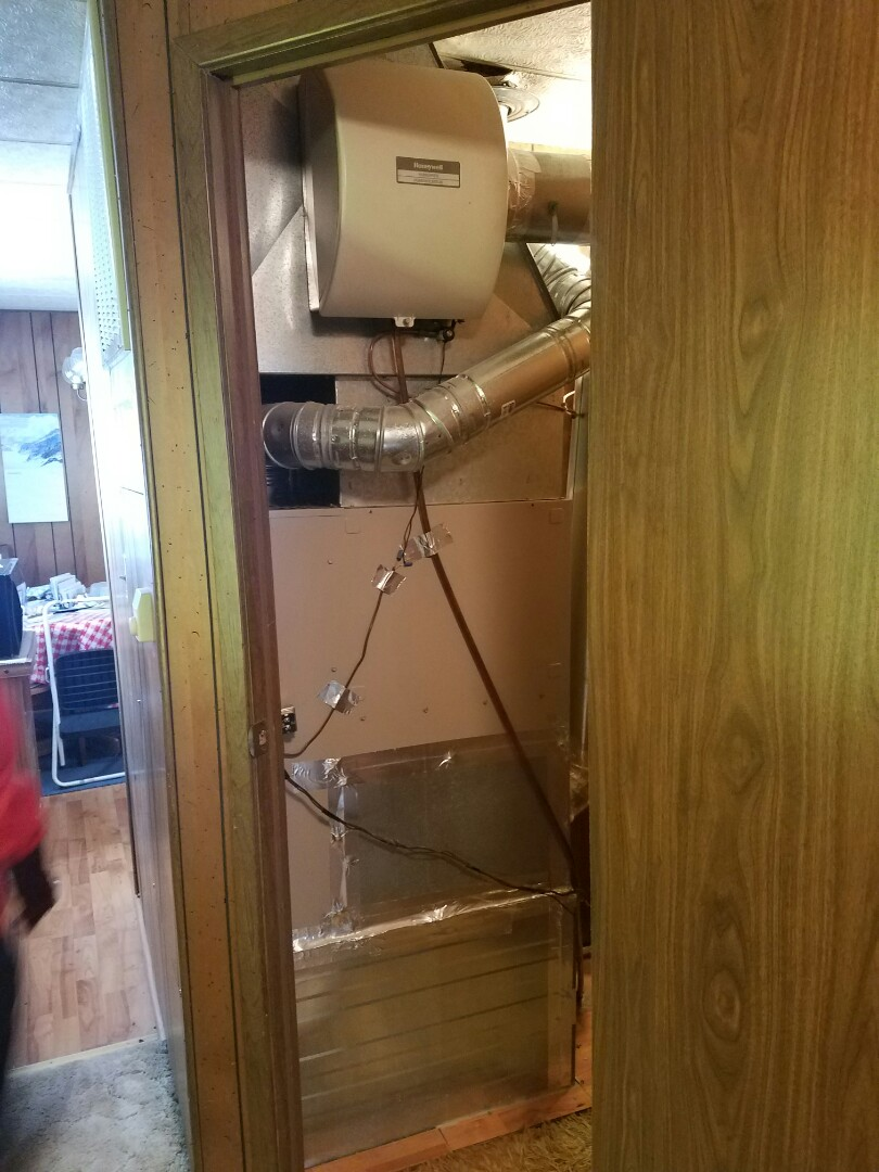 Platteville, CO - Replace downflow Lennox furnace and AC with humidifier mobile home