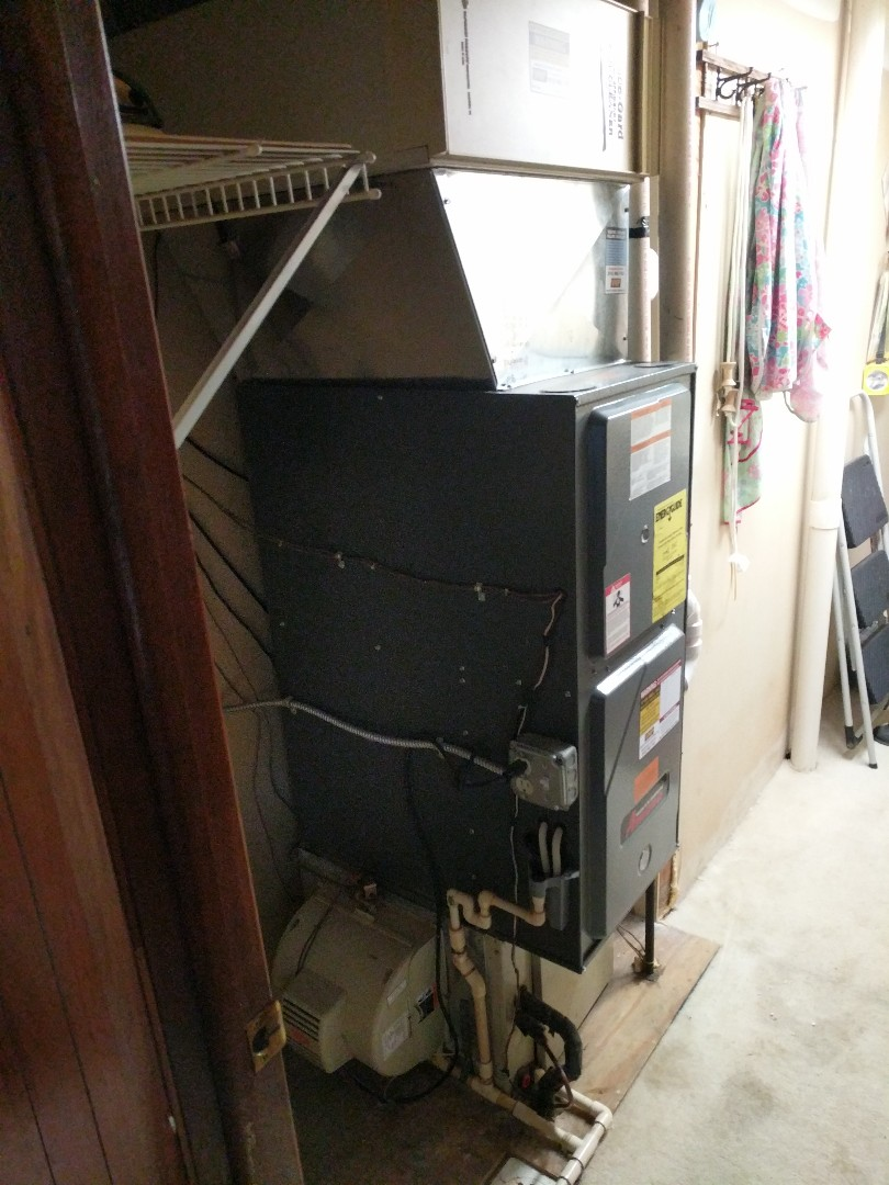 Croswell, MI - Amana furnace tune up and filter change.