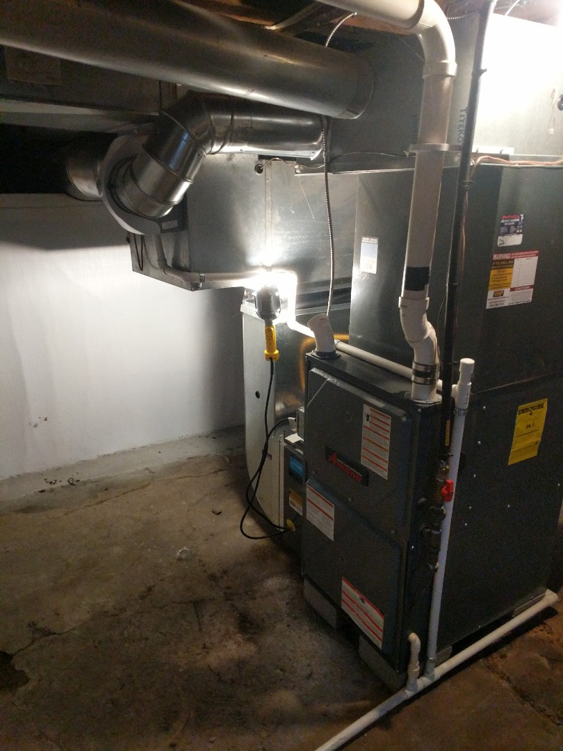 Saint Clair, MI - Amana furnace tune up with humidifier adjustment.