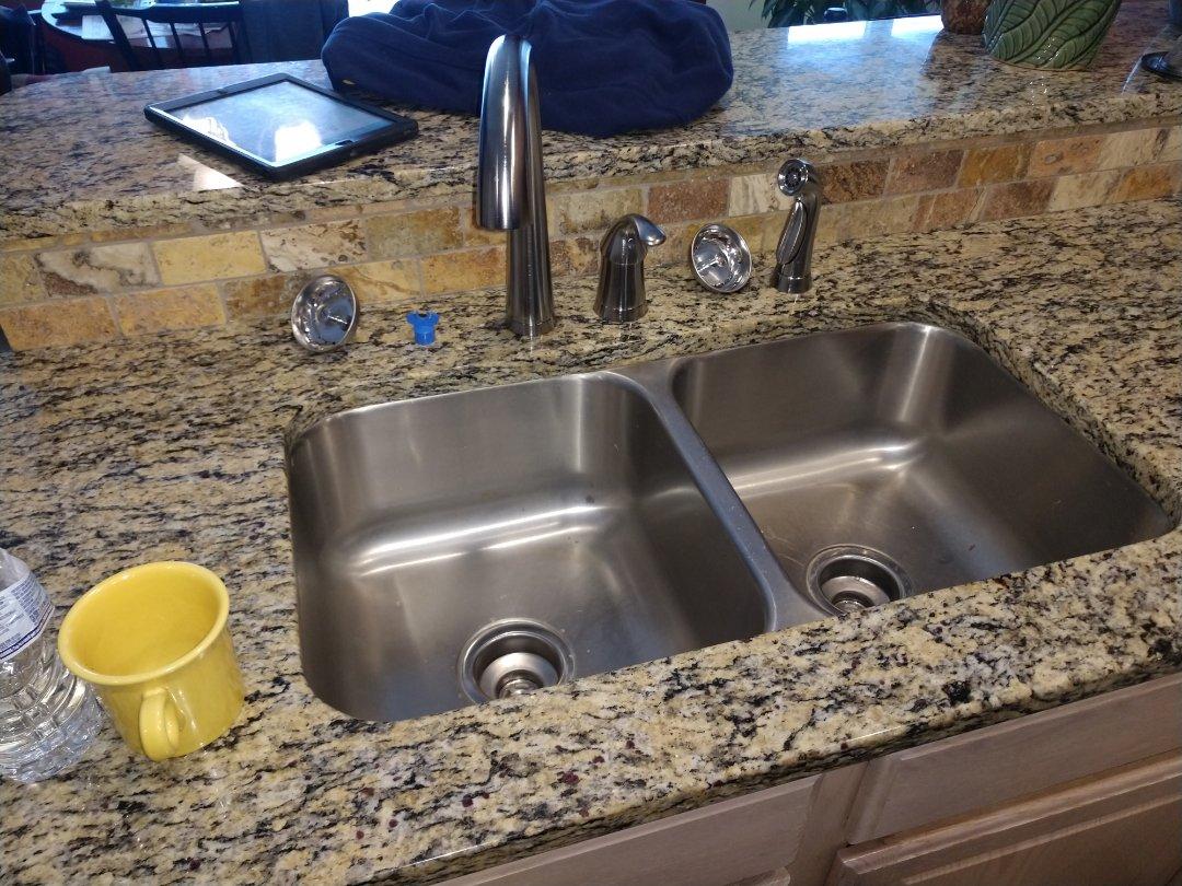 Lexington, MI - Replace kitchen faucet