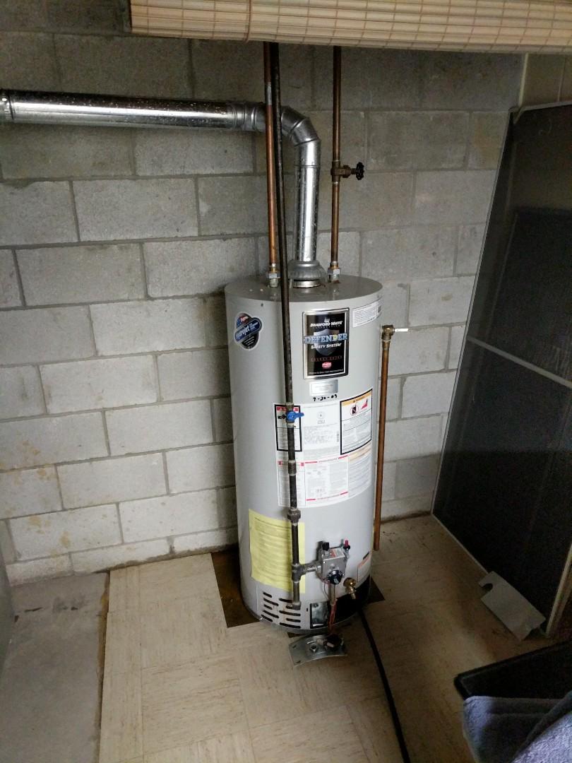 Memphis, MI - Water heater leaking.