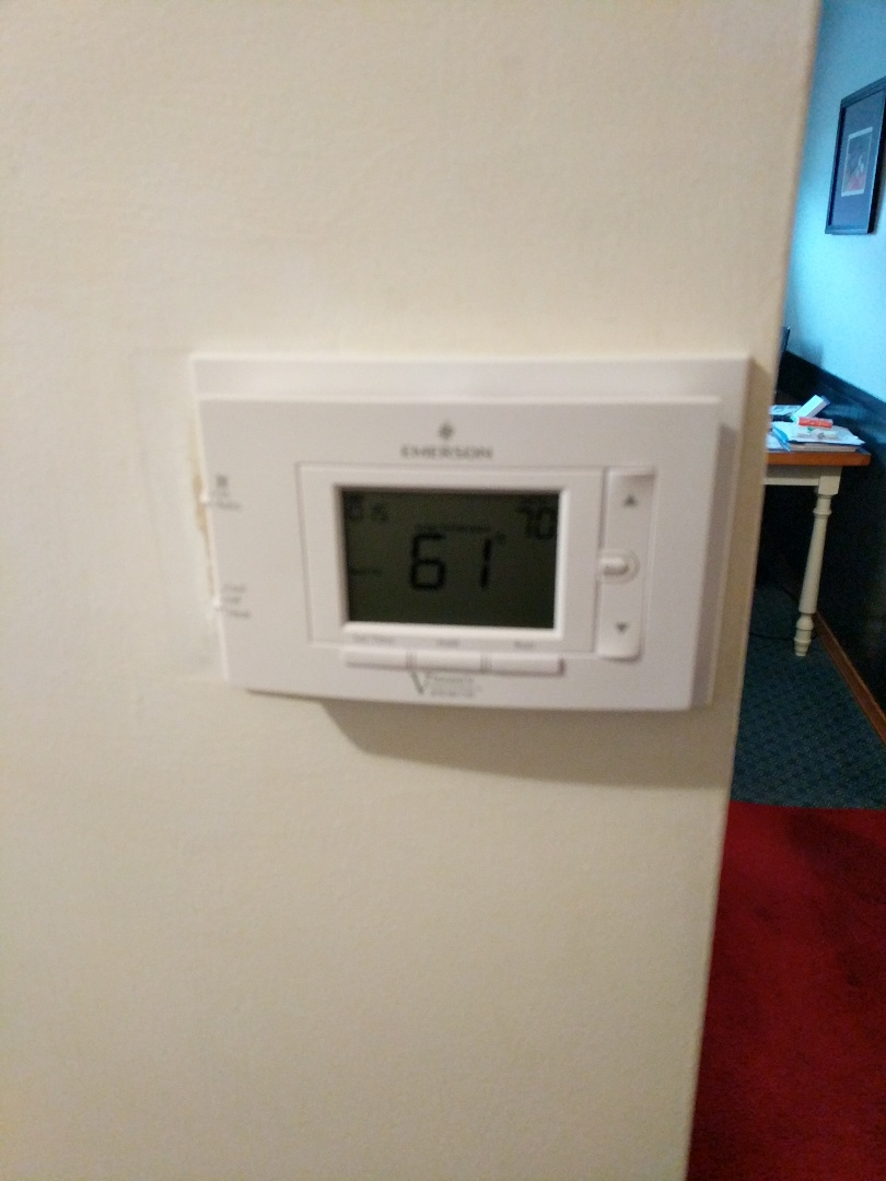 Port Huron, MI - Replace programmable thermostat.